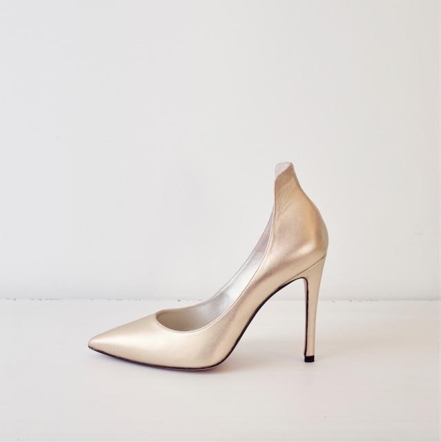 zapato salon Pura Lopez Dorado Love Story