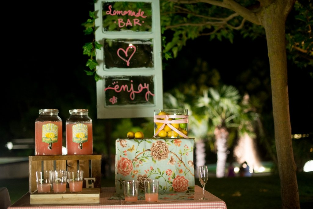 Wedding Planner Love Story Novias-Lemonade Bar