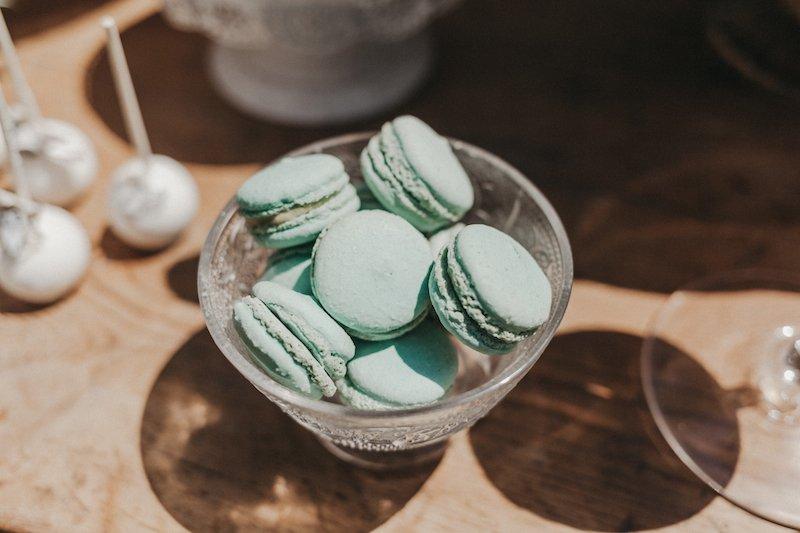 love story novias organizacion de bodas complementos