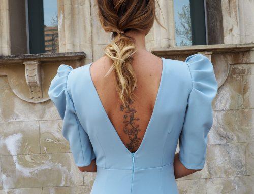 Cómo combinar un vestido azul celeste