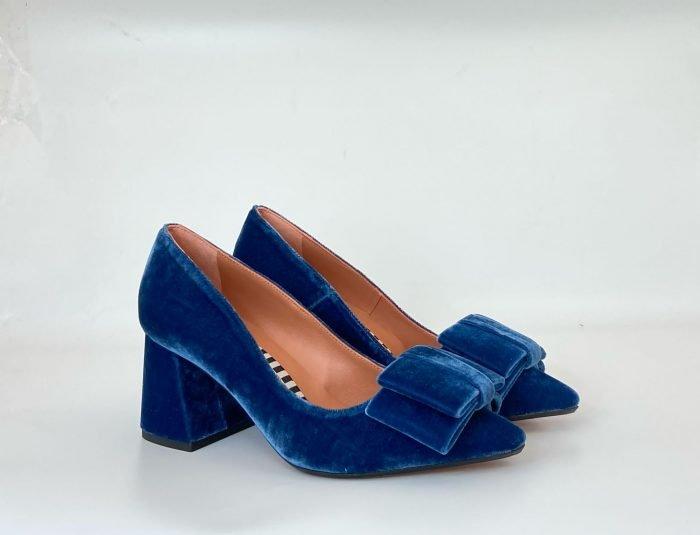 zapato-leonor-azul-velvet-sarah-verdel-lovestory-novias-02