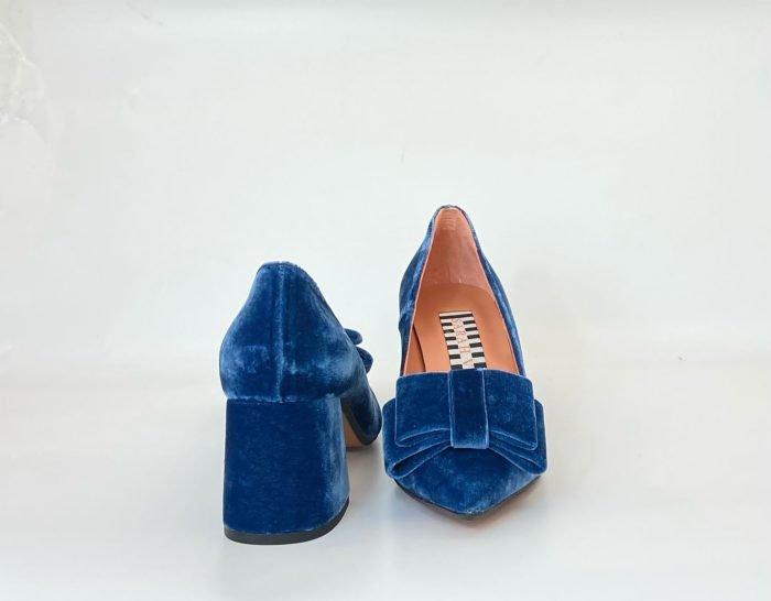 zapato-leonor-azul-velvet-sarah-verdel-lovestory-novias-03